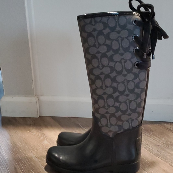 Coach Tristee waterproof boot size 7/8